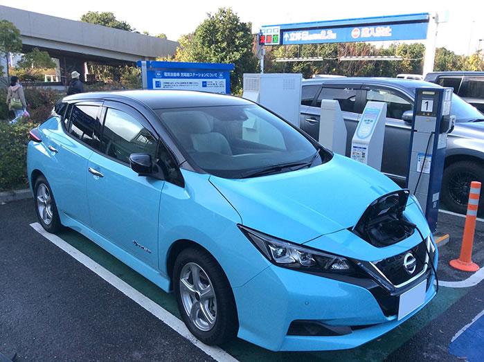草津イオン平面駐車場急速・普通充電スタンド