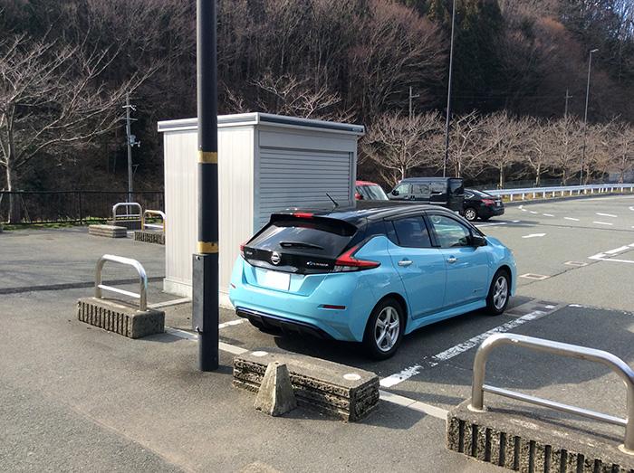 道の駅マキノ追坂峠駐車場の急速充電スタンド充電前